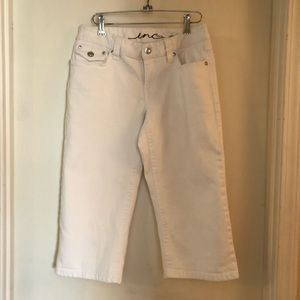 INC International Concepts White Capri Jeans Sz 6